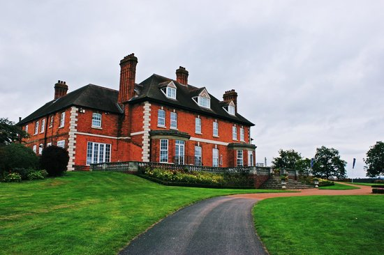 Astbury Hall Golf Series